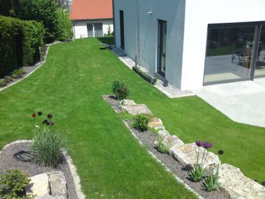 Gartenwege wege im garten verbinden mitterhofer for Gartengestaltung wege