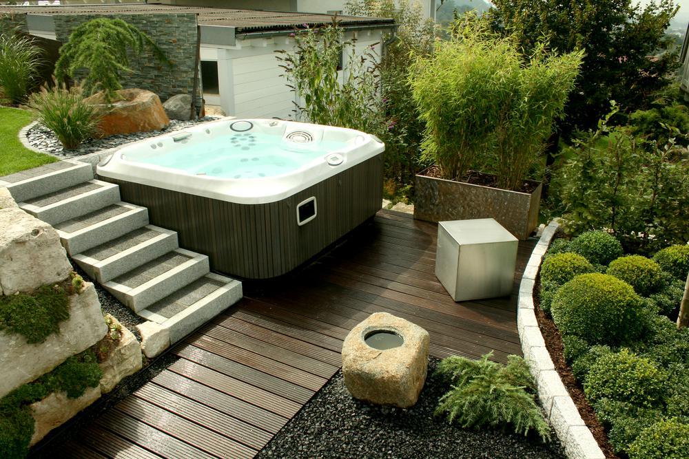 whirlpool sichtschutz. Black Bedroom Furniture Sets. Home Design Ideas